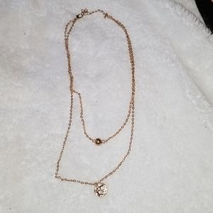Cutw gold necklaces